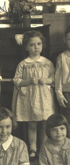 Muriel Ruth STARR from kindergarten class photo Park Manor